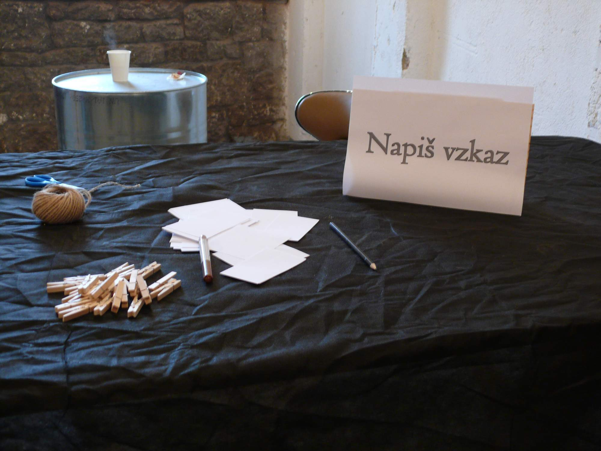 Stôl s odkazmi pre organizátorov FoodParku. Foto: Kristína Marcinková