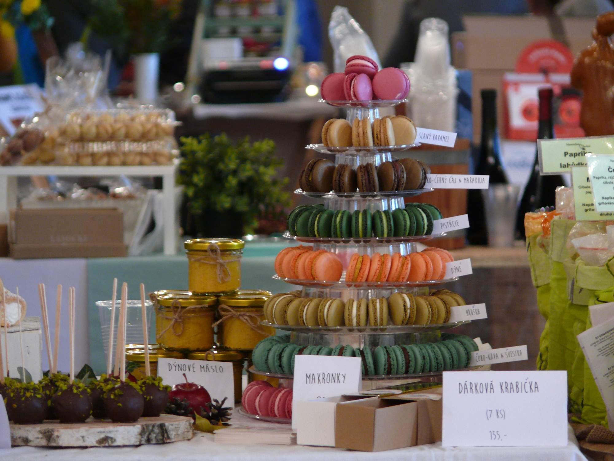 Sortiment sladkých potravín bol naozaj pestrý. Foto: Kristína Marcinková