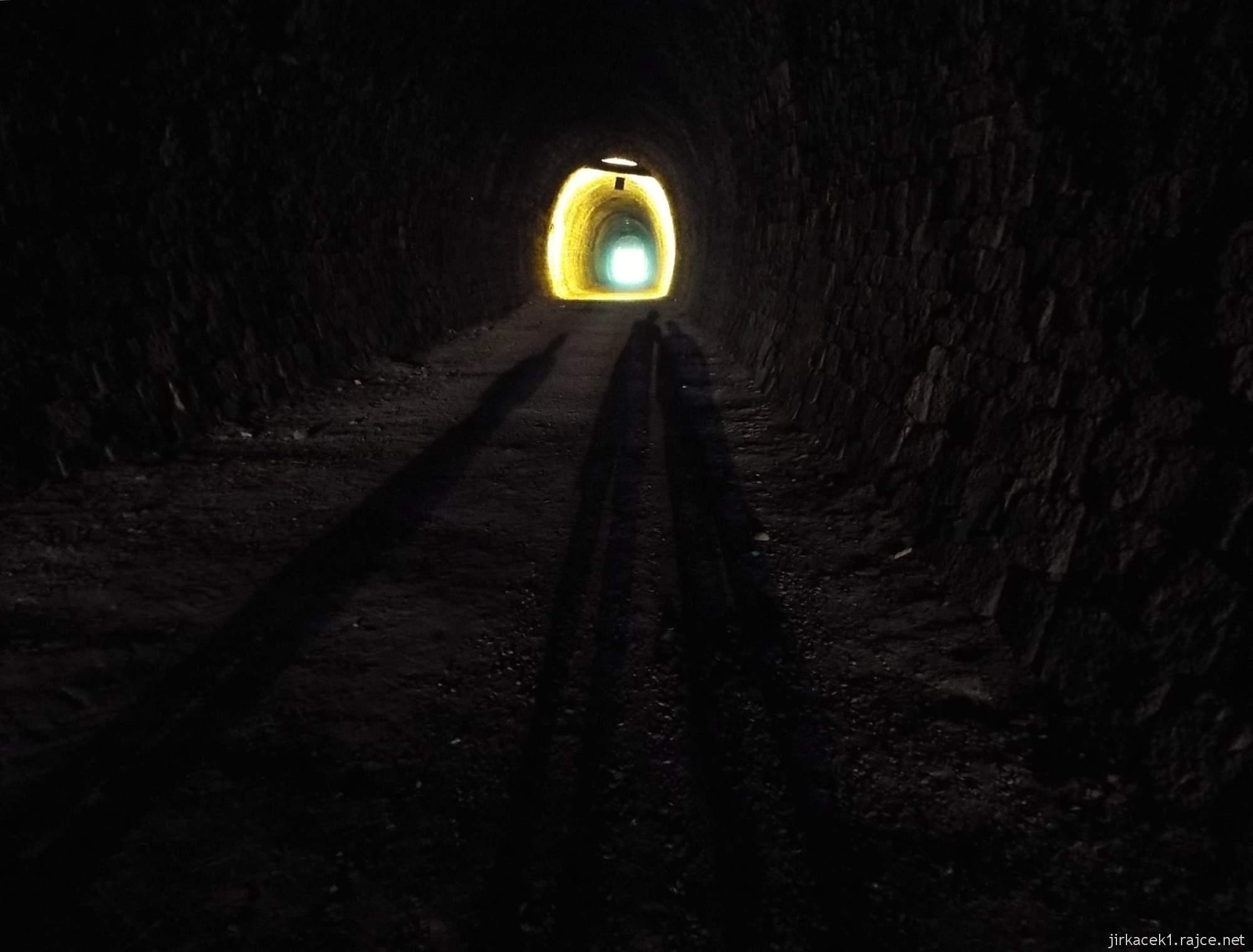 Slavíč - Ferdinandův železniční tunel - mimozemšťani v tunelu