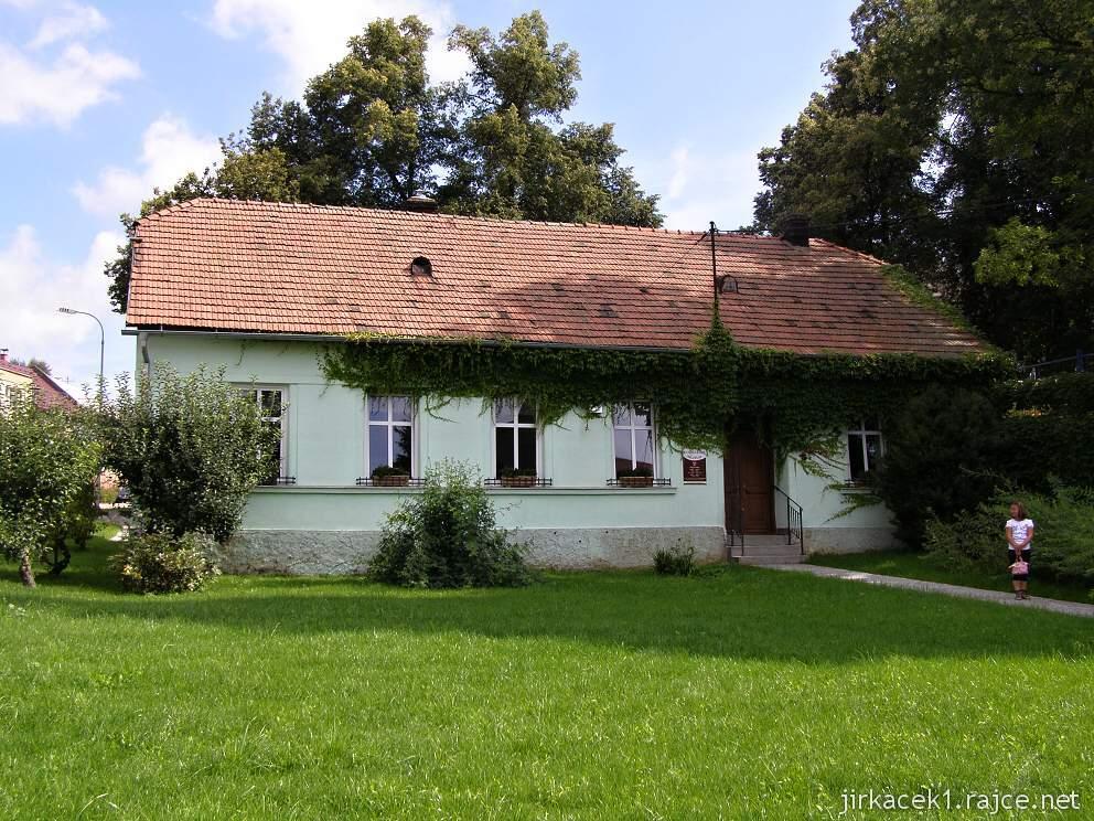 Morkovice - košíkářské muzeum - budova