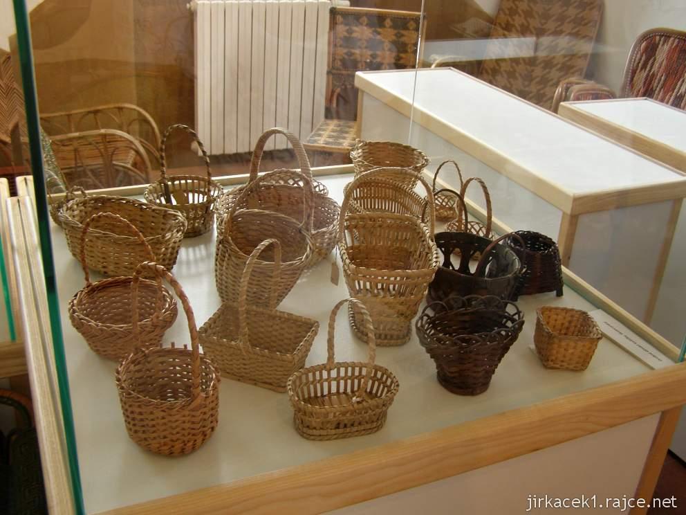Morkovice - košíkářské muzeum - expozice - košíky