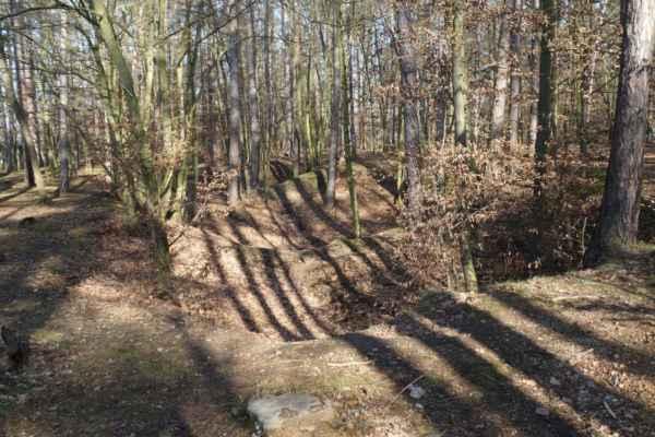 Stopy po archeologickém bádání jsou více než patrné.