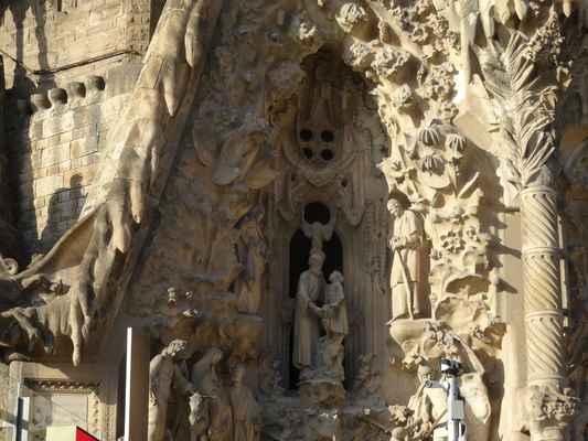 Uprostřed: Josef a Ježíš, po obou stranách kolem: Rodiče Panny Marie