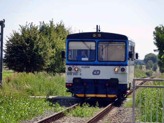 vlak je tady