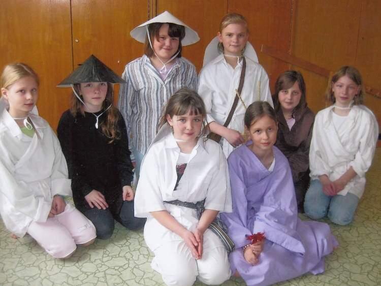 Divadelní kroužek hraje pro mateřskou školu