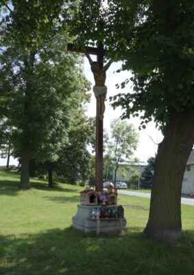 Kříž pod kostelem...