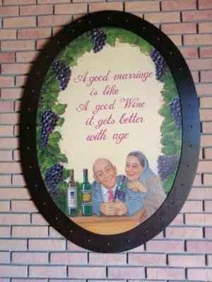 Dobré manželství je jako dobré víno. S věkem se zlepšuje.