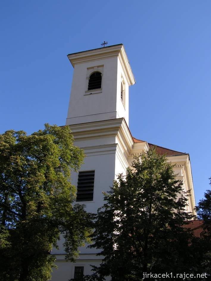 Slavkov u Brna - kostel Vzkříšení Páně - věž