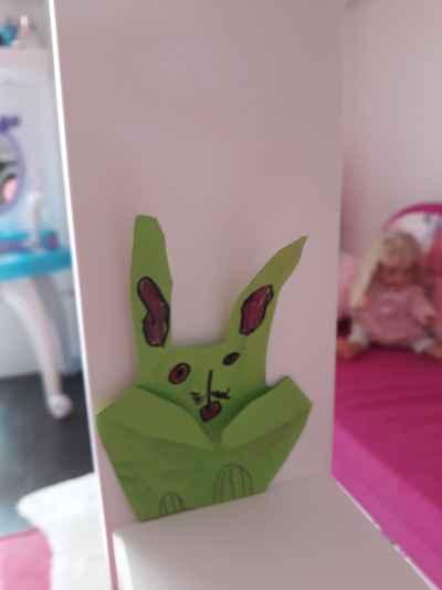 Míša - Míša vyrobila krásného zajíčka.
