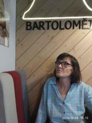 LasardoPictures 2020 - Ahoj. Má známá z Plzně Vlasta.S.,hledá vážný vztah. Je ji 62 let, pracuje a je nekuřák. Hledá muže z Plzně ve věku od 55 do 66 let. Psát ji jen SMS +420 730 693 549. Foto je ze dne 28.8.2020 v Plzni v CROSS Café na náměstí republiky. Ahoj. »*« * Dne: 28.8.2020/pátek v Plzni. * All Rights Reserved Photo: LasardoPictureS * Fotograf: D'Jozef.T|LasardoPictures.  * Fotoaparát: Xiaomi Redmi Note 9 »*« #Tj81Fotografie #lasardopictures #tj81fotka #LasardoPictures #StanikovaVlasta #Cross #CrossCafe #VlastaStanikova #Stanikova  »*«  WiFi|28.8.2020|od hotelu Central v Riegrové ulici|upr.mé data od Vodafonu 28.8.2020