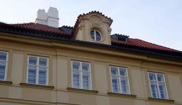 Valdštejnská 8 - Fürstenberský palác / Velvyslanectví Polské republiky