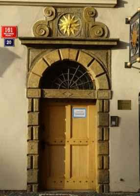 Valdštejnská 20 - U zlatého slunce / Národní pedagogické muzeum a knihovna J. A. Komenského