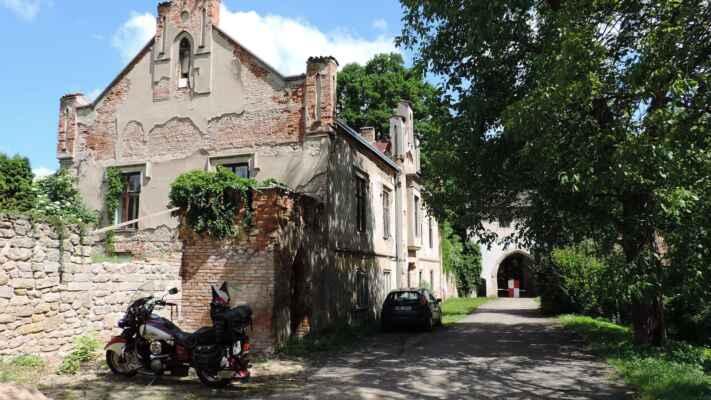 Zastávka u zámku Stránov