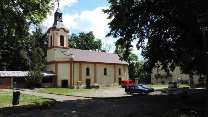 Kostel sv. Václava. Pamatuji ho z minulosti když byl v mizerném stavu.